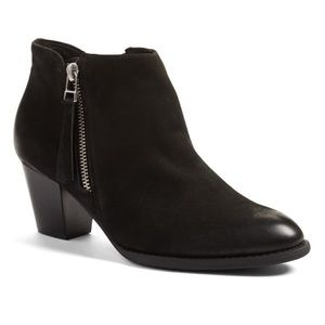 Vionic Sterling Black Ankle Boot